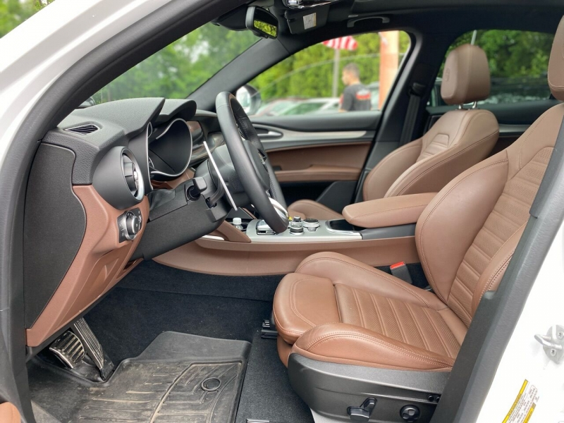 Alfa Romeo Stelvio 2020 price $47,995