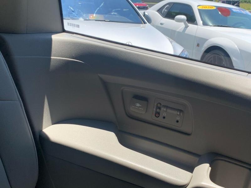 Honda Odyssey 2016 price $13,995