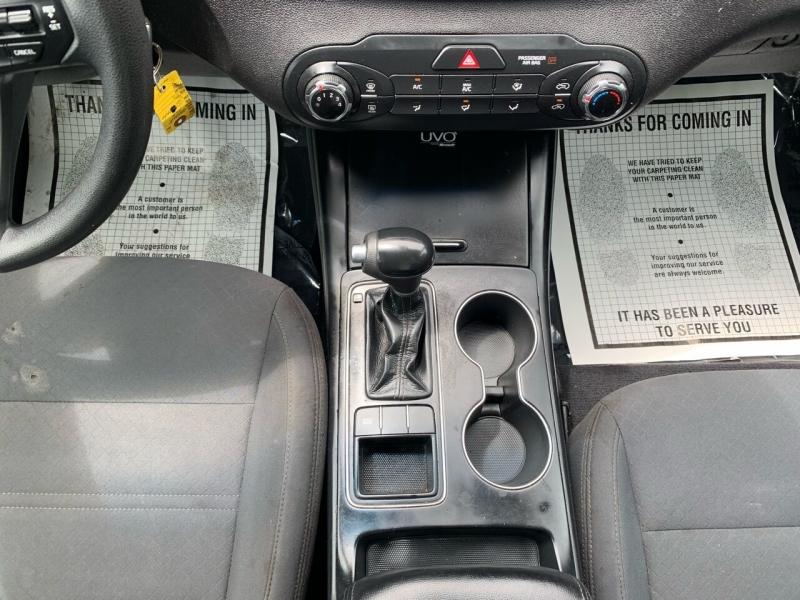 Kia Sorento 2016 price $15,995