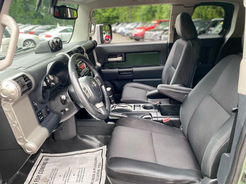 Toyota FJ Cruiser 2014 price $29,995