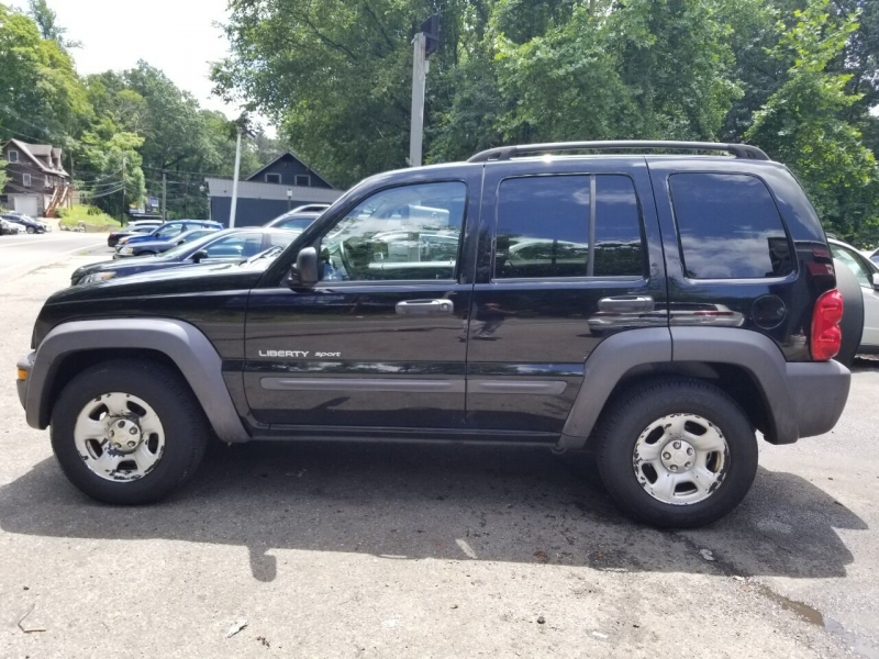 Jeep Liberty 2003 price $2,495