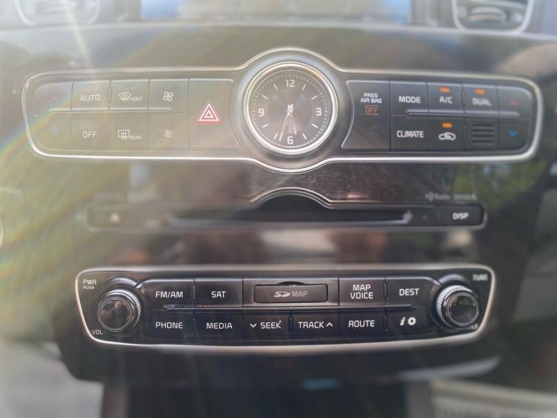 Kia Cadenza 2015 price $11,995