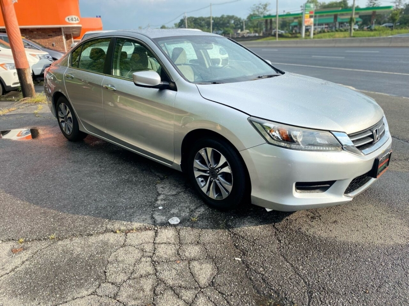 Honda Accord 2013 price $10,995