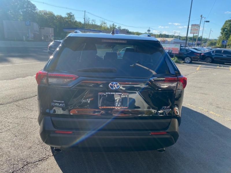 Toyota RAV4 Hybrid 2019 price $26,995