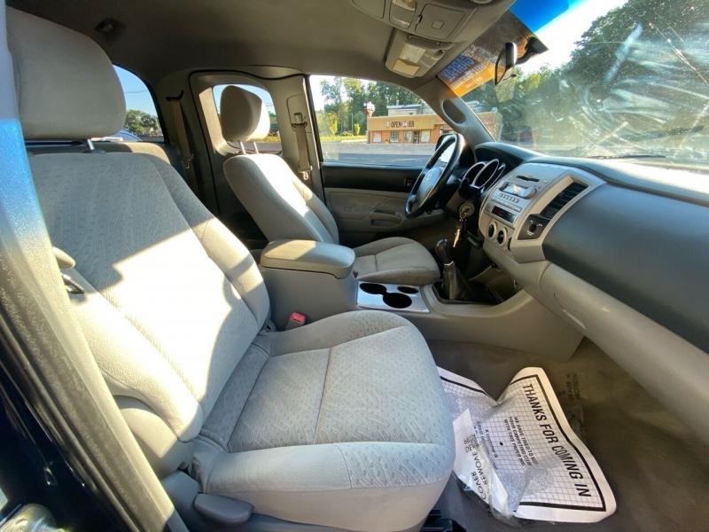 Toyota Tacoma 2007 price $10,995