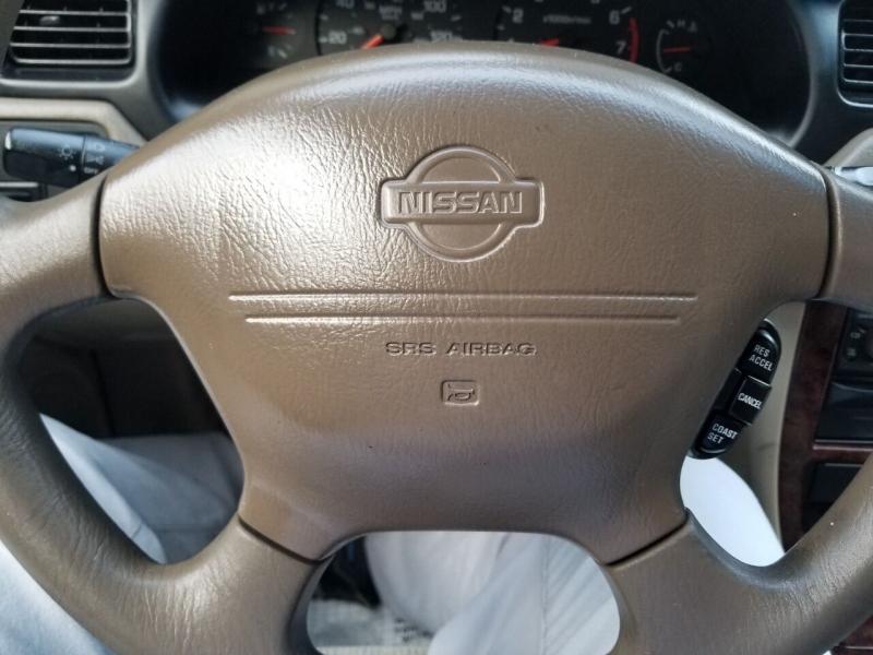 Nissan Altima 2000 price $2,995