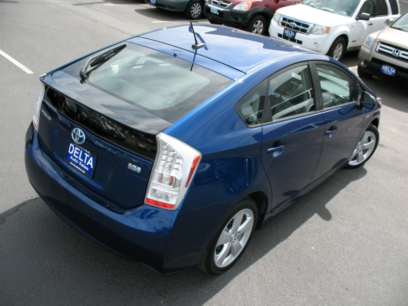 Toyota Prius 2010 price $13,995