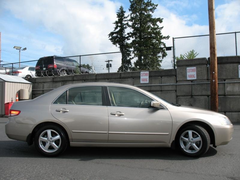 Honda Accord 2004 price $6,995