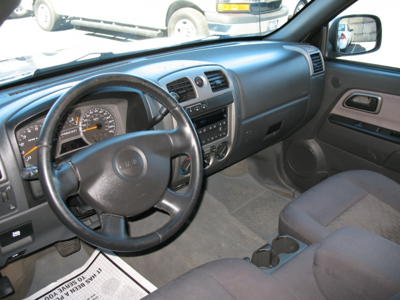 GMC Canyon 2004 price $11,995