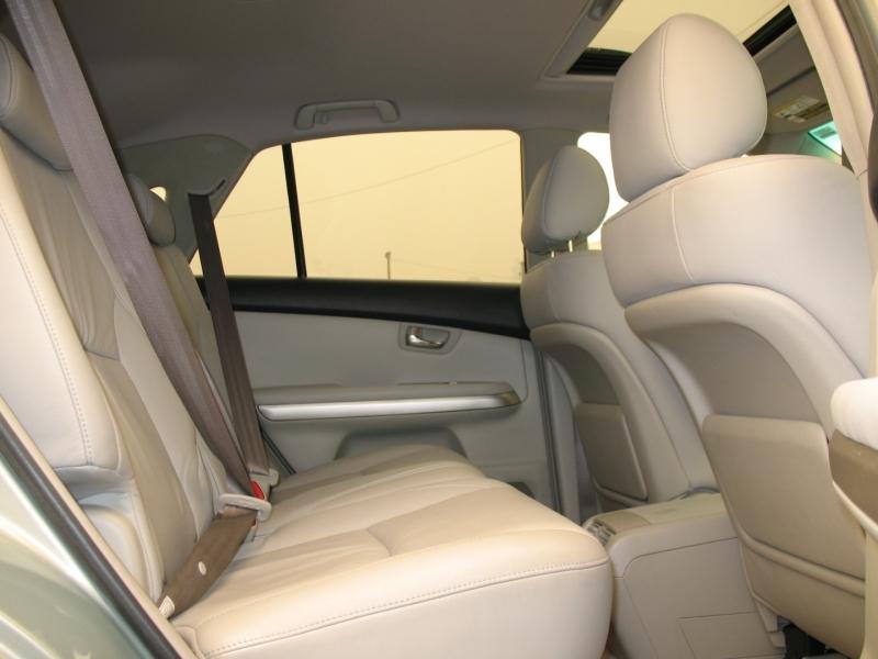 Lexus RX 400h 2006 price $11,995