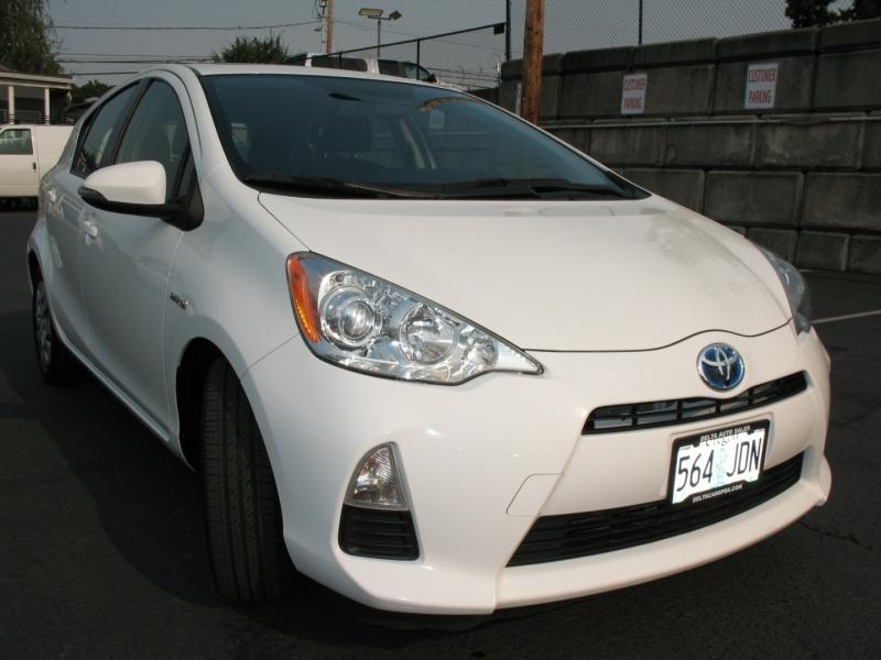 Toyota Prius c 2013 price $12,495