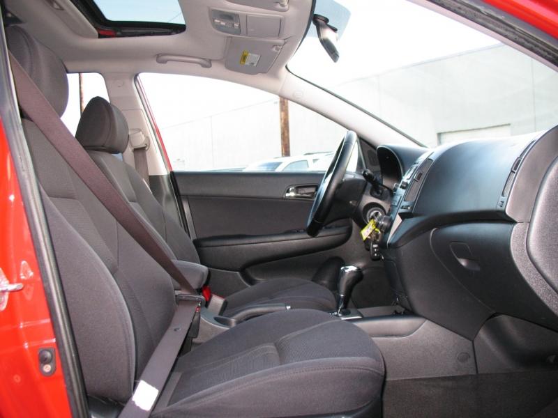 Hyundai Elantra 2009 price $7,495