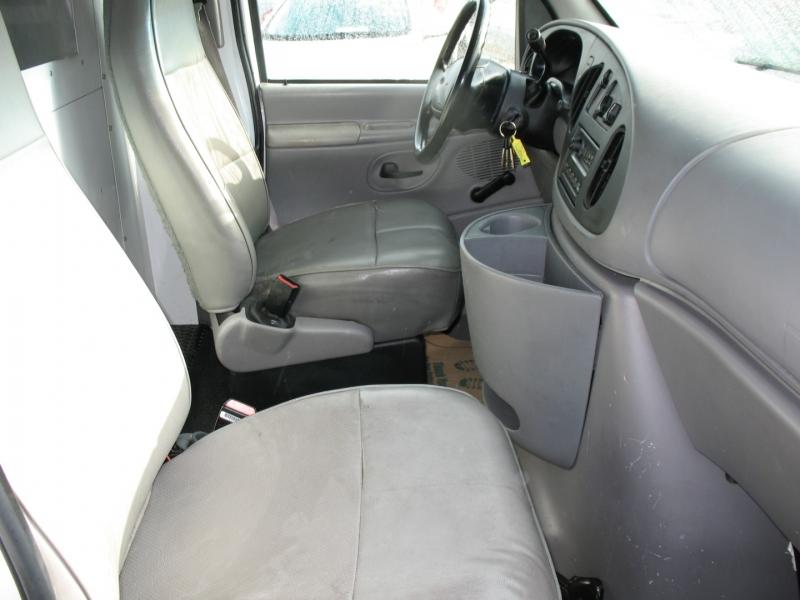 Ford Econoline Cargo Van 1999 price $8,495