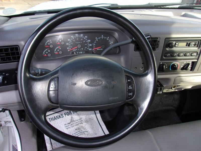 Ford Super Duty F-450 2001 price $8,995
