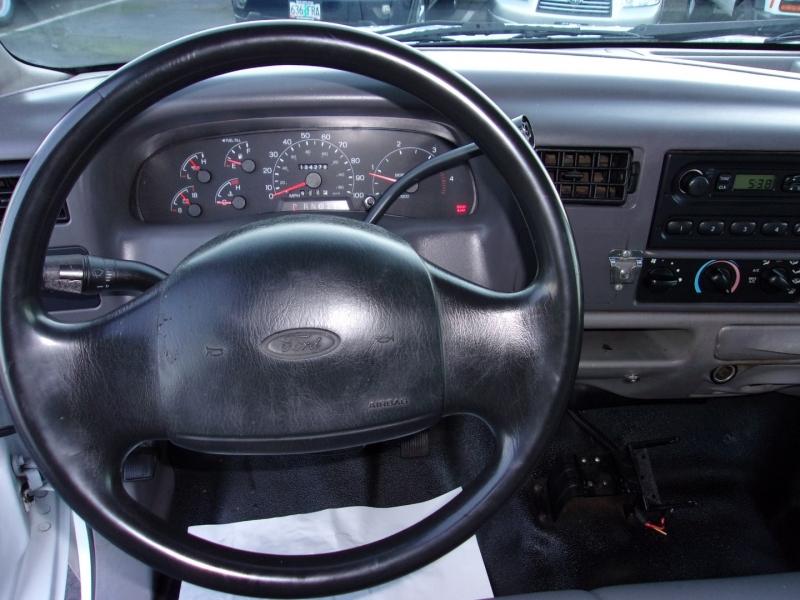Ford Super Duty F-350 DRW 2001 price $18,995