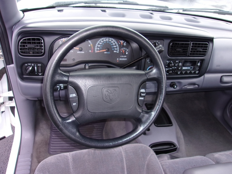 Dodge Dakota 2000 price $7,995