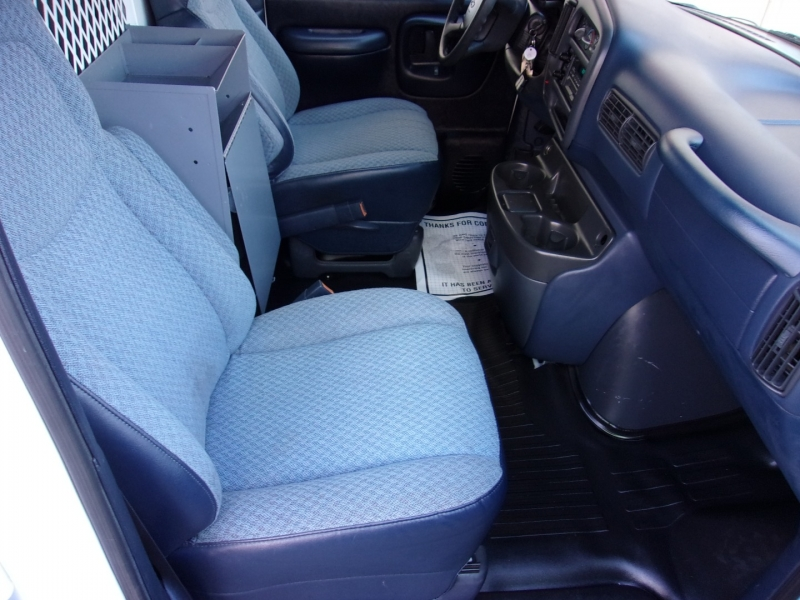 Chevrolet Express Cargo Van 2000 price $9,995
