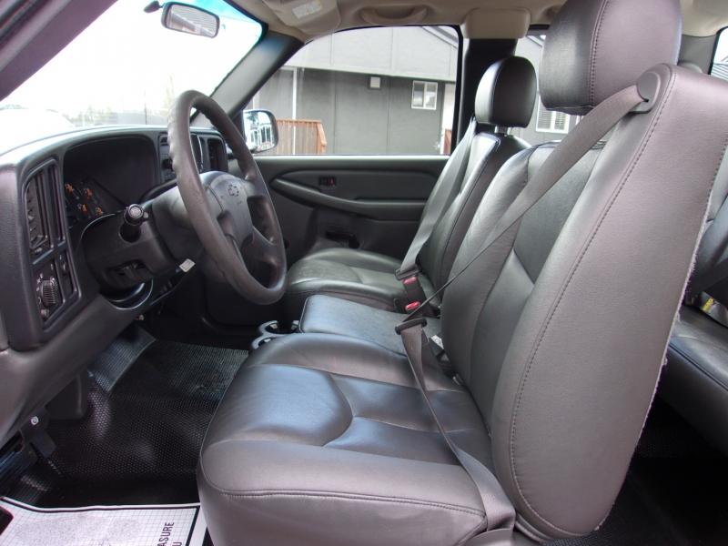 Chevrolet Silverado 2500HD 2006 price $12,995
