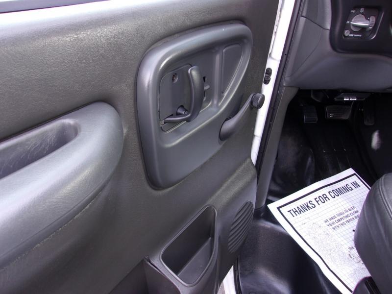 Chevrolet Express Cargo Van 2002 price $9,995