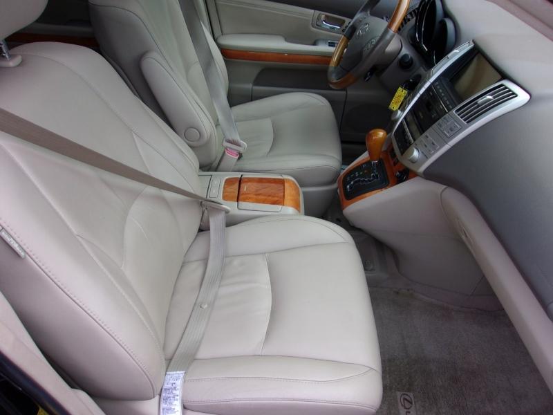 Lexus RX 330 2006 price $11,995