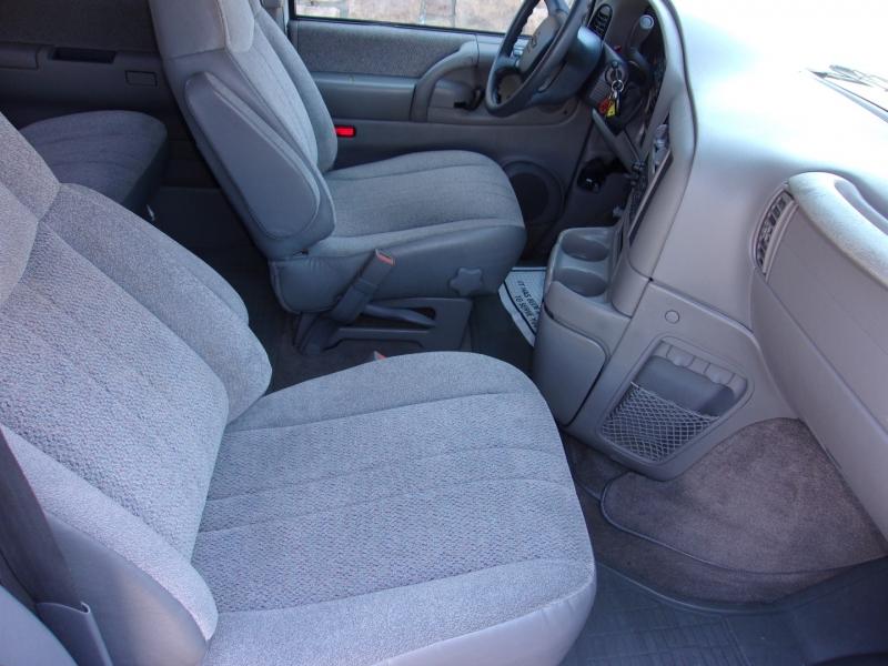 Chevrolet Astro Passenger 2002 price $13,995