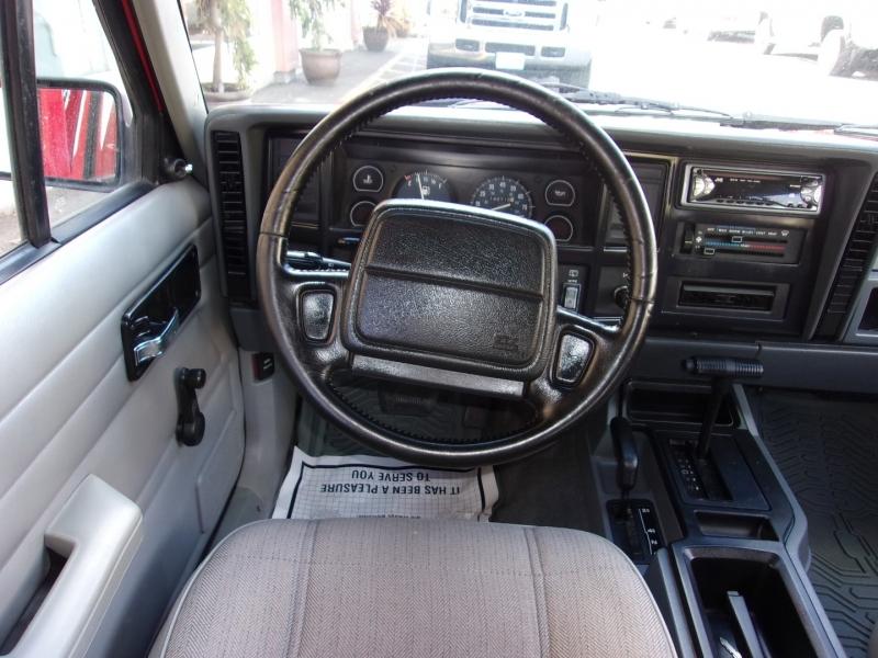 Jeep Cherokee XJ 1996 price $9,995