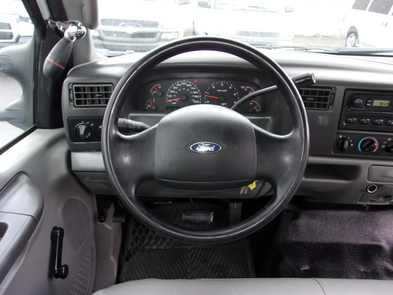 Ford Super Duty F-250 2004 price $11,495