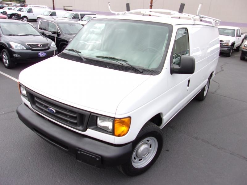 Ford Econoline Cargo Van 2006 price $11,995