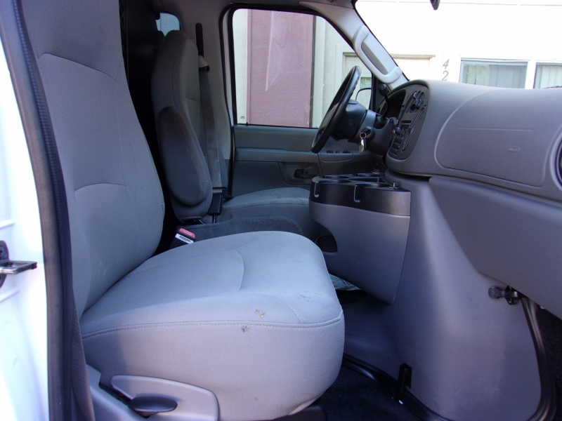Ford Econoline Cargo Van 2007 price $12,995