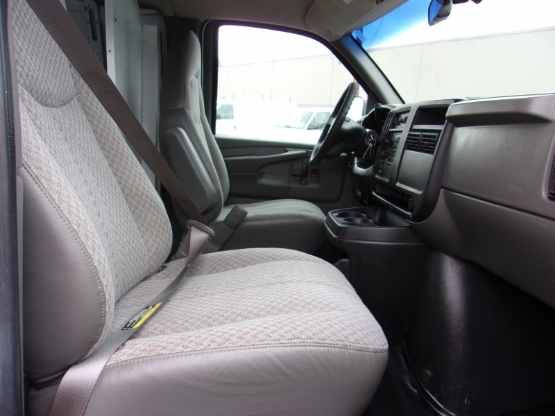 Chevrolet Express Cargo Van 2003 price $15,995