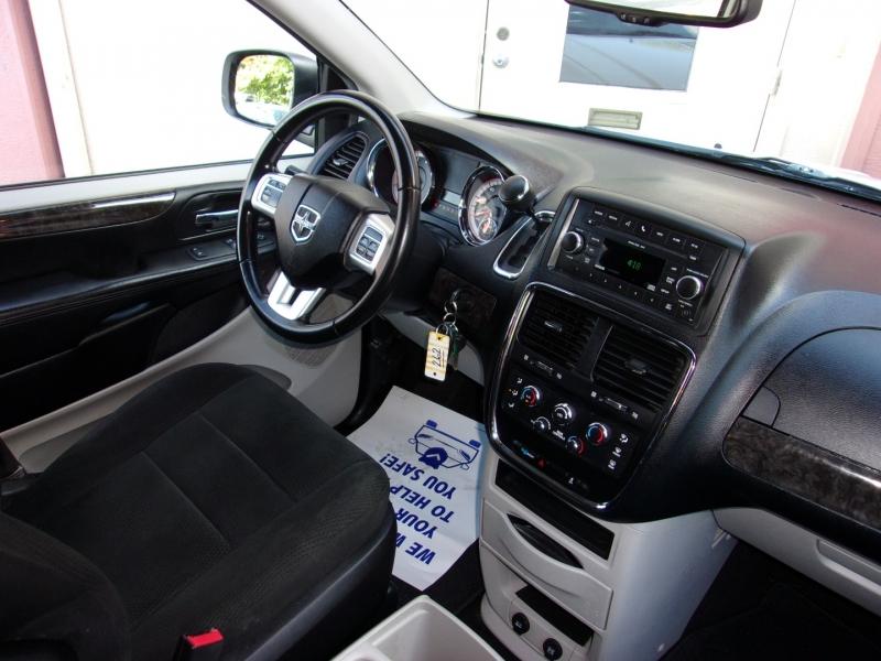 Dodge Grand Caravan 2011 price $6,995