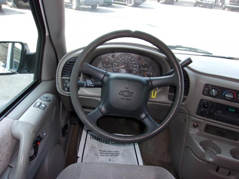 Chevrolet Astro 2003 price $8,995