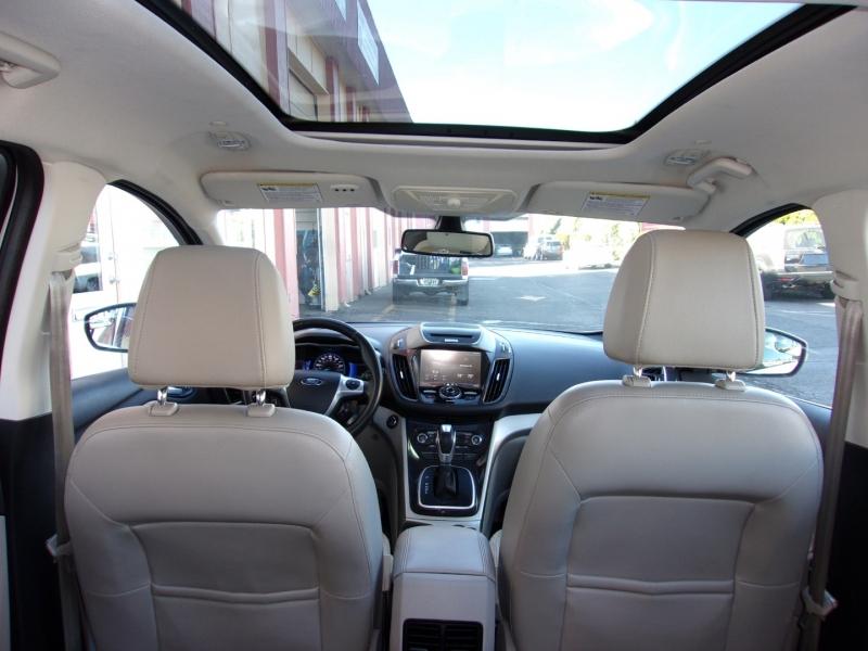 Ford C-Max Hybrid 2013 price $8,995