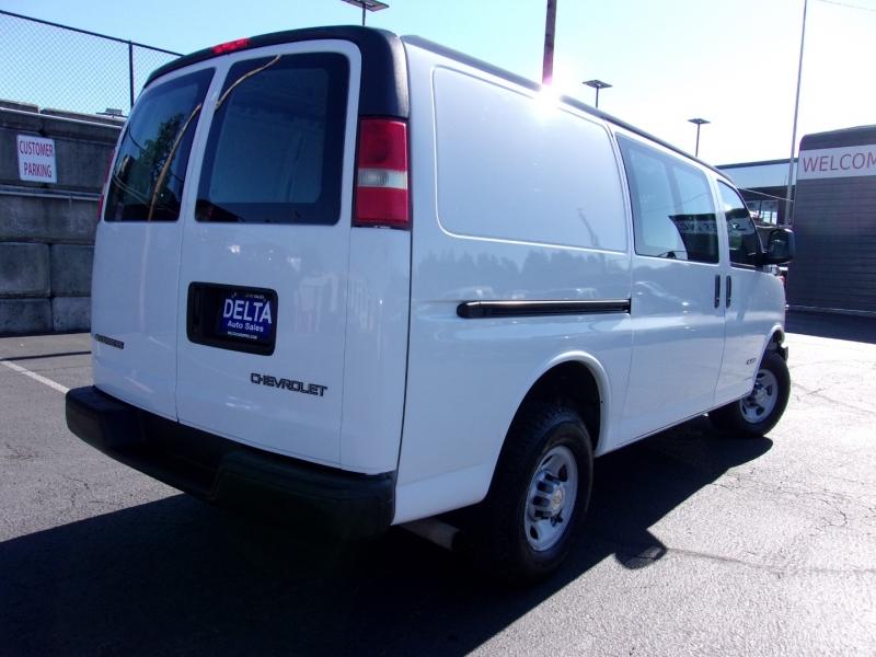 Chevrolet Express Cargo Van 2006 price $13,995