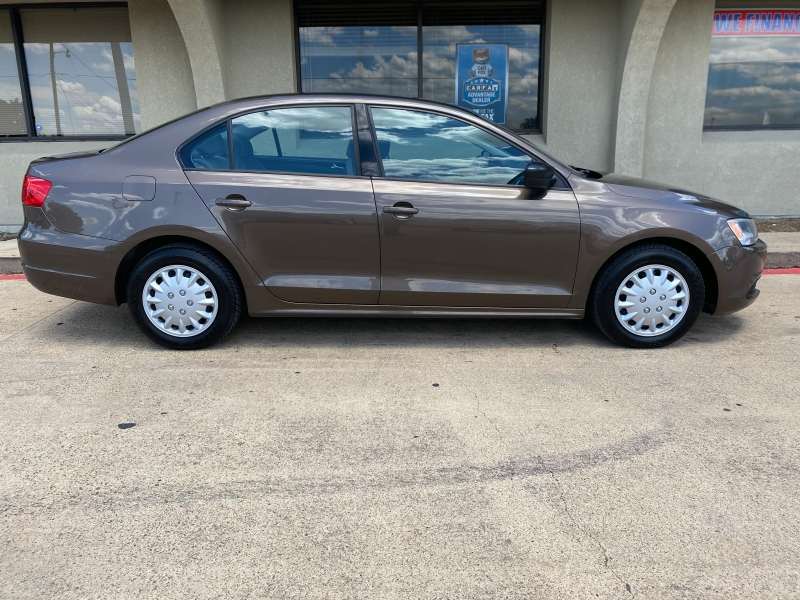 Volkswagen Jetta Sedan 2011 price $3,988