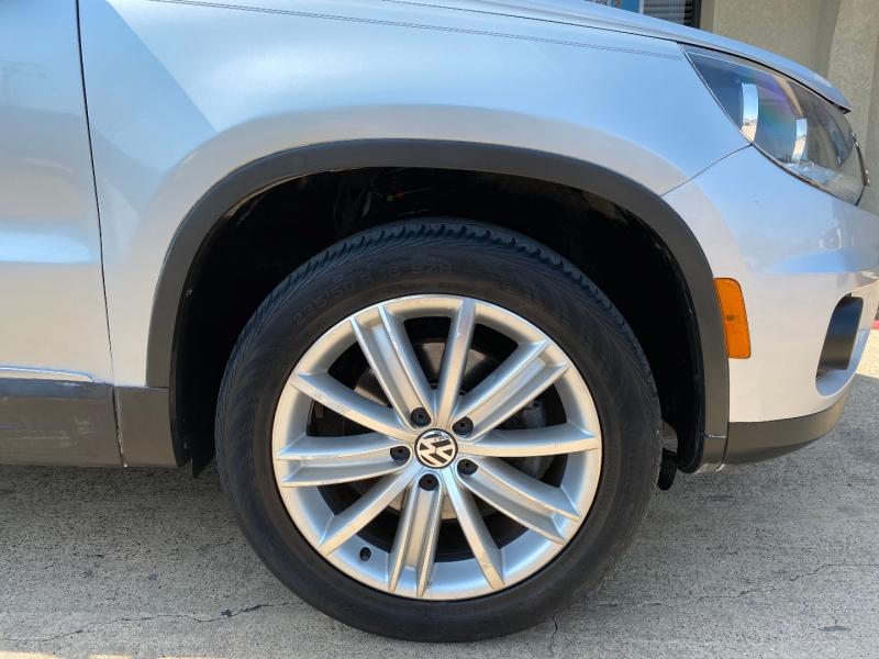 Volkswagen Tiguan 2013 price $5,288