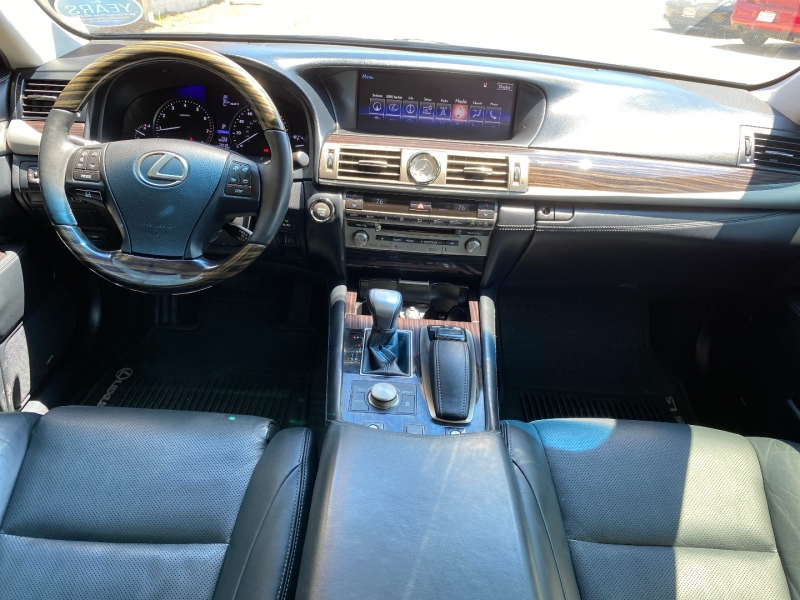 Lexus LS 460 2015 price $30,288