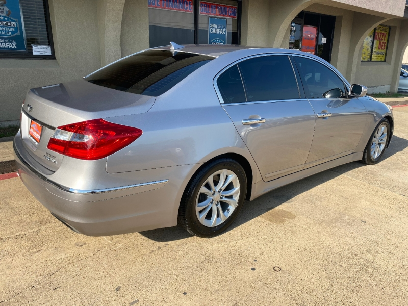 Hyundai Genesis 2013 price $7,888