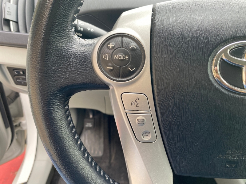 Toyota Prius 2014 price $7,988
