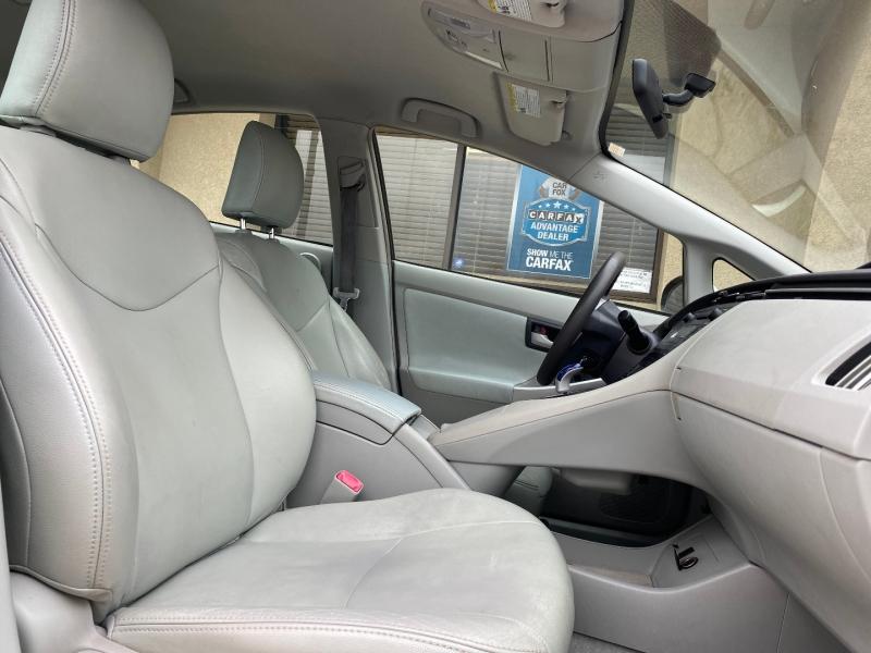 Toyota Prius 2010 price $6,988