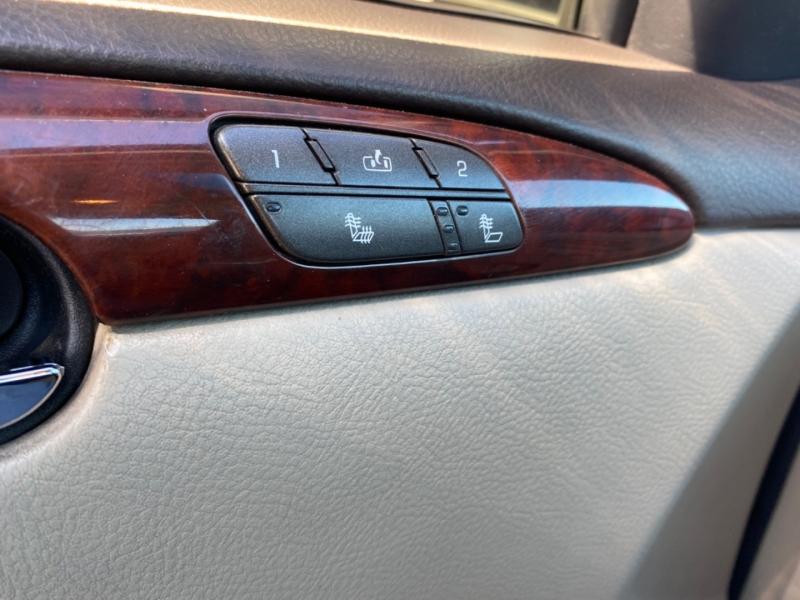 Buick Lucerne 2009 price $4,288