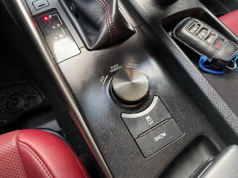 Lexus IS 200t 2016 price $18,988
