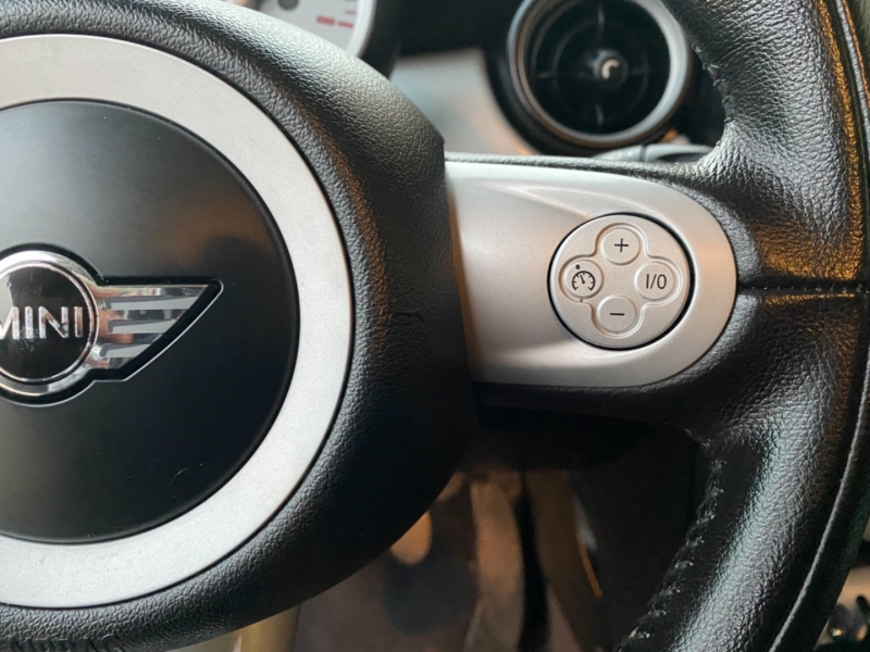 Mini Cooper Hardtop 2010 price $5,288