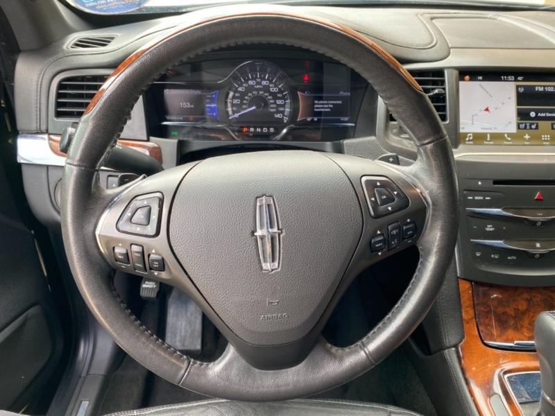 Lincoln MKS 2016 price $11,888