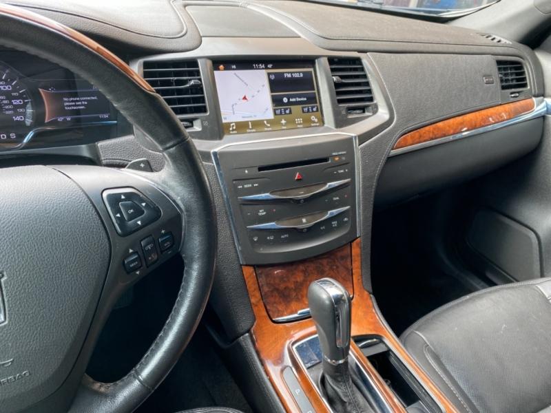 Lincoln MKS 2016 price $12,788