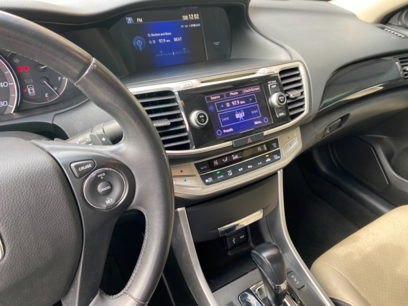 Honda Accord Cpe 2013 price $9,488