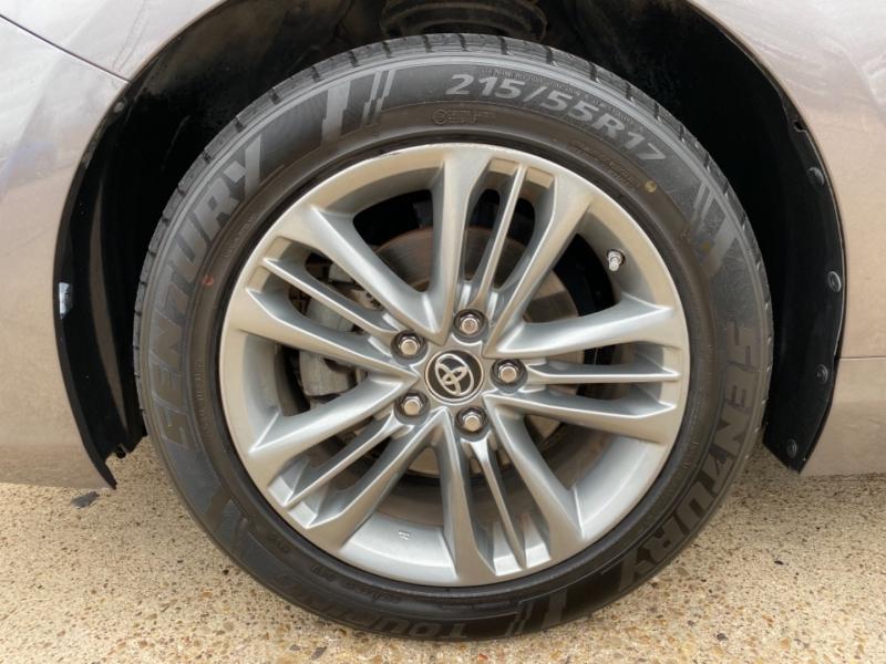 Toyota Camry 2015 price $10,988