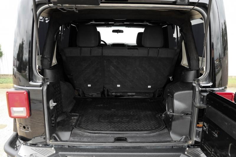 Jeep Wrangler Unlimited 2012 price $24,988