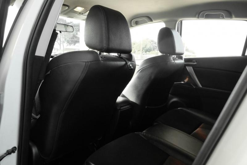 Mazda 3 2013 price $8,988