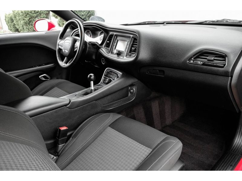 Dodge Challenger 2016 price $27,888